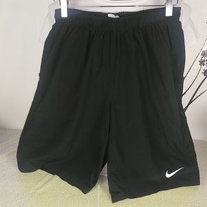 Nike dri fit men's shorts. Size large. Black